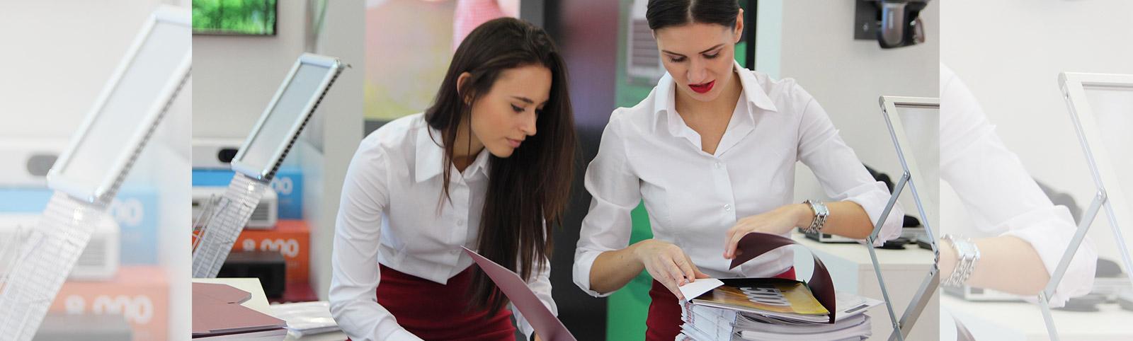 Biała koszula damska na 5 sposobów | Blog Brilu.pl