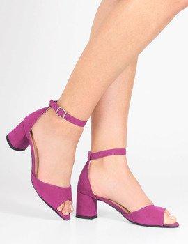0057b8b4 Zamszowe sandały z paskiem na niskim słupku Sharon fuksja
