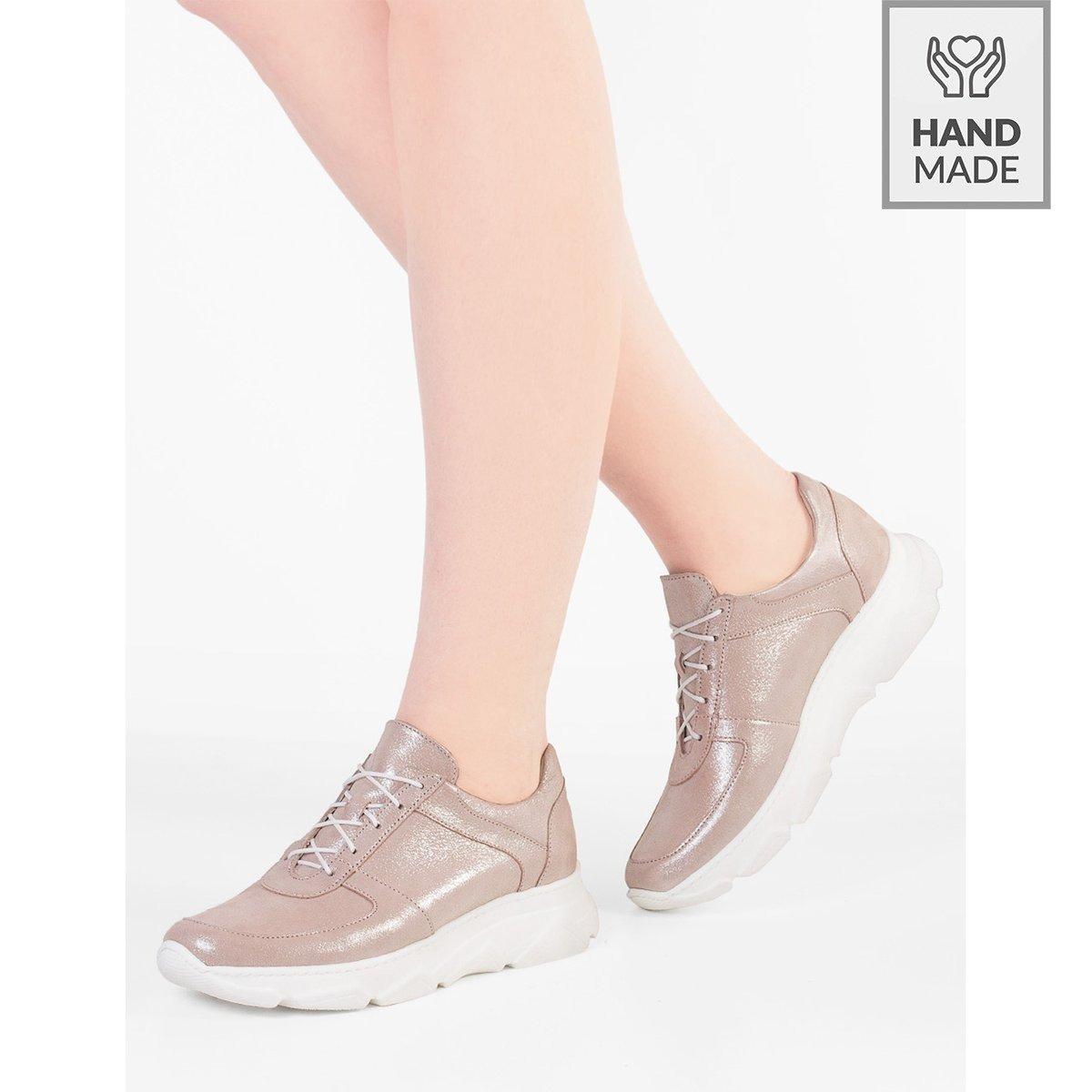 Błyszczące sneakersy ze skóry naturalnej Mirella niebieskie