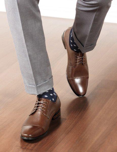 61476e23427896 Eleganckie buty wizytowe z nakładanym noskiem Marco brązowe