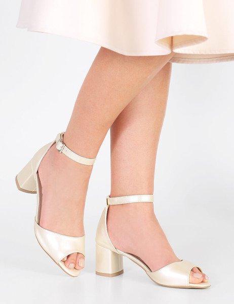 2d9d10682723ad Ślubne sandały z paskiem na niskim słupku Sharon perłowe beżowe ...